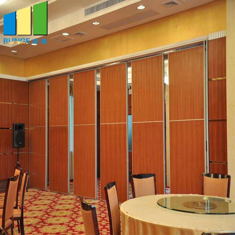 Movable Folding Soundproof Acoustic Wall Partitions With Passing Door